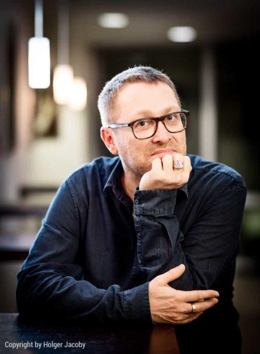 Portrait des Autoren und Kolumnisten Jan Weiler